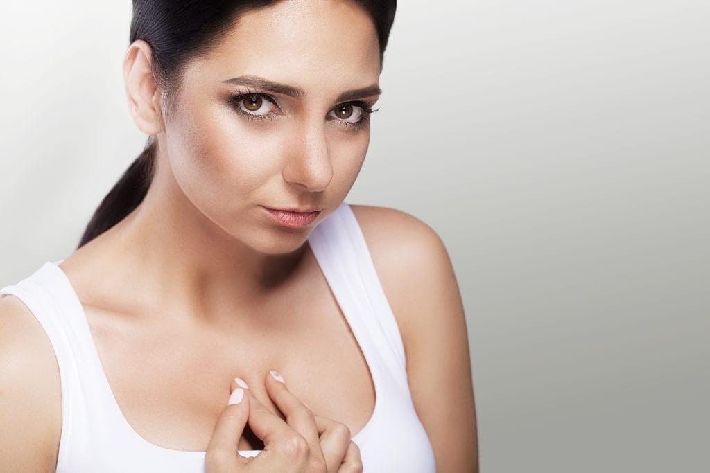 Woman having Esophagus pain